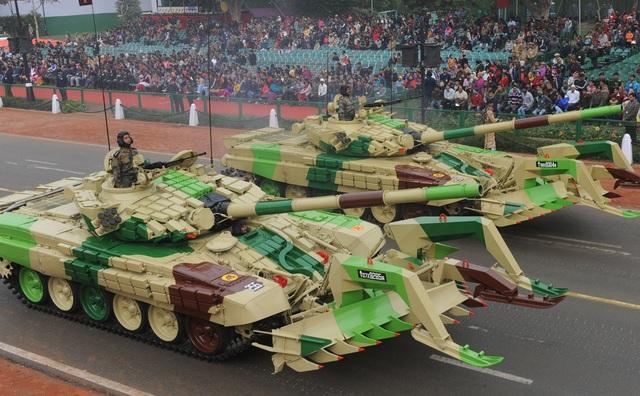 Kho vũ khí đồ sộ mua của Nga trong quân đội Ấn Độ - 2