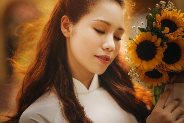 Hoa khôi ĐH Ngoại thương khoe ảnh kỷ yếu đằm thắm, xinh đẹp - 1