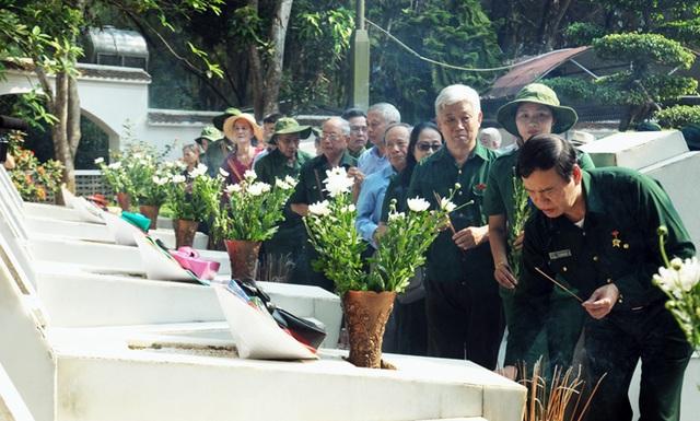Thủ tướng, Chủ tịch Quốc hội gửi vòng hoa tri ân các anh hùng liệt sĩ tại Ngã ba Đồng Lộc - 4