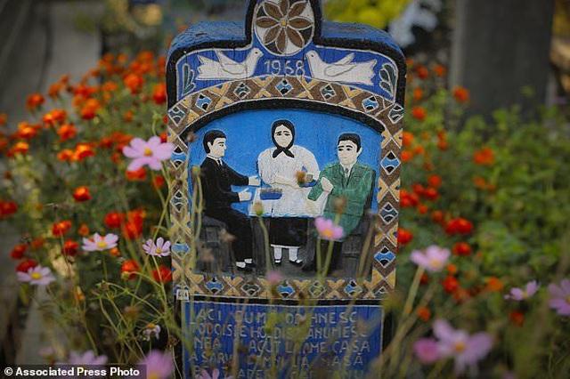 Nghĩa trang kỳ lạ với những tấm bia mộ hài hước - 4