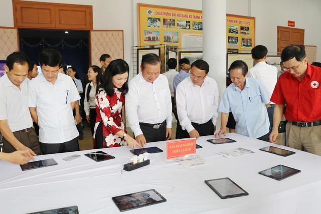 Trao hơn 200 suất học bổng đến học sinh nghèo nhân Ngày Sách Việt Nam - 3