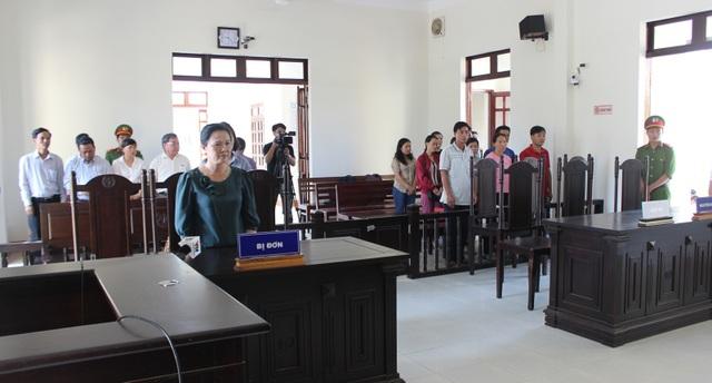"""Vụ 12 giáo viên kiện phòng giáo dục: """"Bản án quá bất công…chúng tôi sẽ kháng cáo!"""" - 1"""