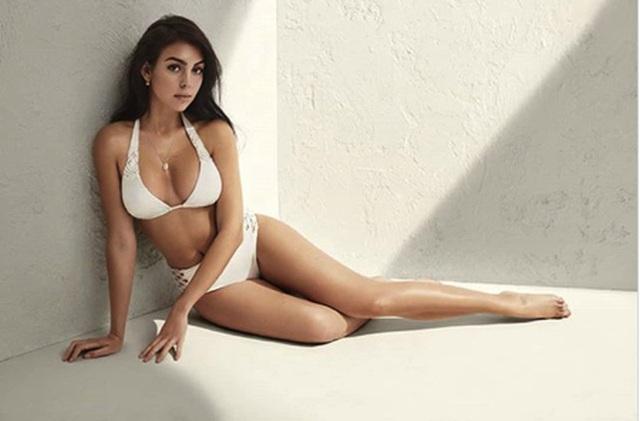 Bạn gái C.Ronaldo toả sáng với loạt ảnh bikini đầy quyến rũ - 1