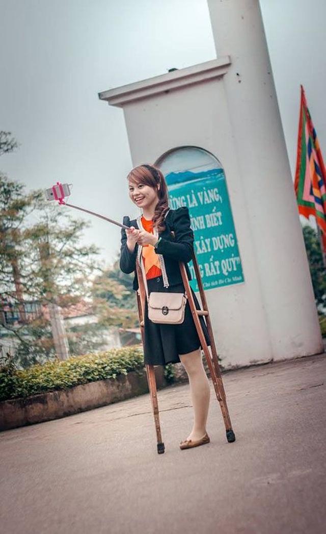 Cô gái một chân từng nổi tiếng mạng xã hội tự tin khoe sắc ở cuộc thi hoa khôi - 1