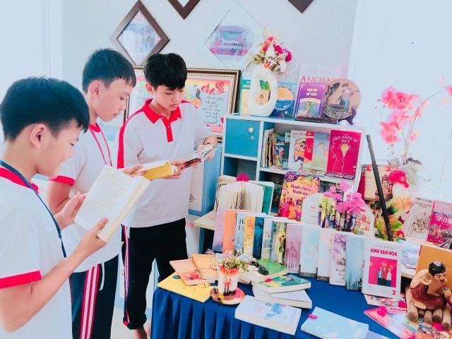 Các trường học Quảng Bình sôi nổi hưởng ứng Ngày Sách Việt Nam - 3