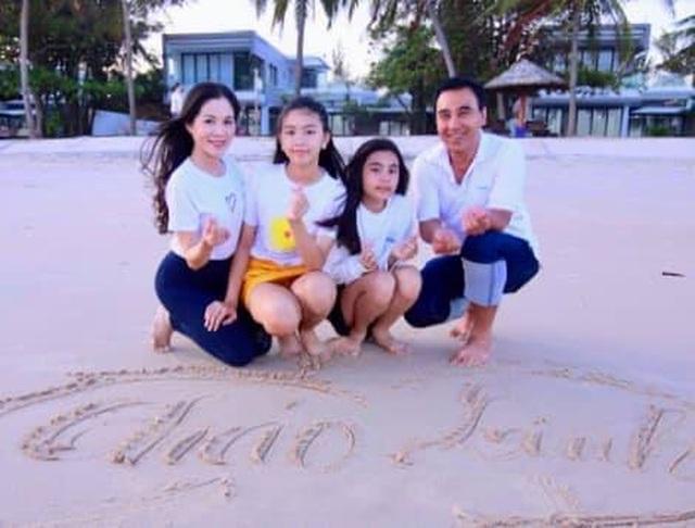 Con gái Quyền Linh ra dáng thiếu nữ xinh đẹp dịu dàng như Hoa hậu tương lai - 3