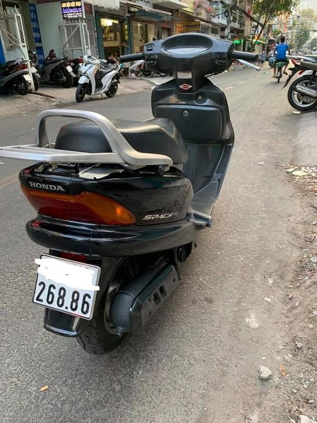 Những chiếc Honda Spacy giá hàng trăm triệu gây sốt - 2