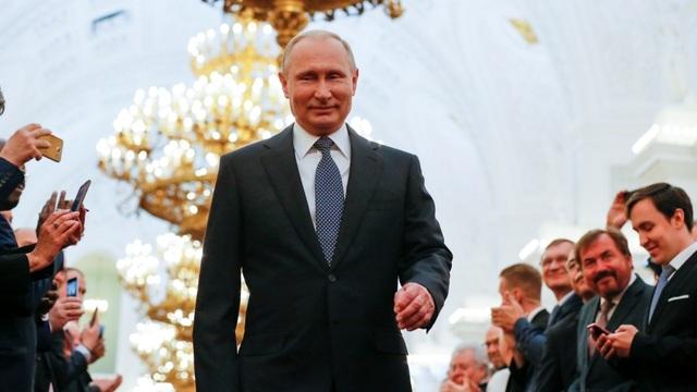 """Giải mã """"tượng đài"""" Putin trong mắt người dân Nga - 1"""