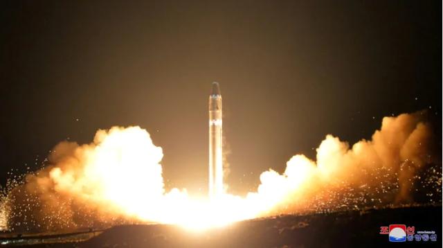 """Tình báo Mỹ nỗ lực """"giải mã"""" vũ khí chiến thuật Triều Tiên vừa thử nghiệm - 2"""