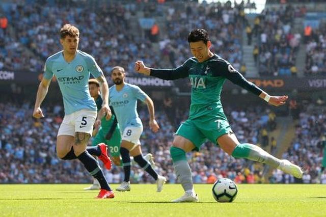 Man City 1-0 Tottenham: Bàn thắng ra mắt của tài năng trẻ Foden - 9