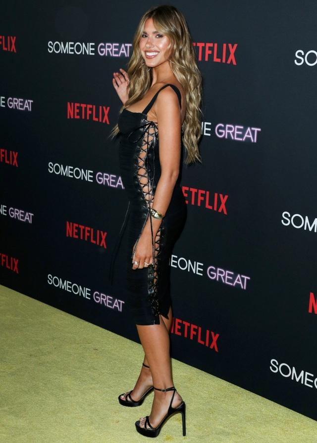 Kara Del Toro diện váy táo bạo dự sự kiện - 7