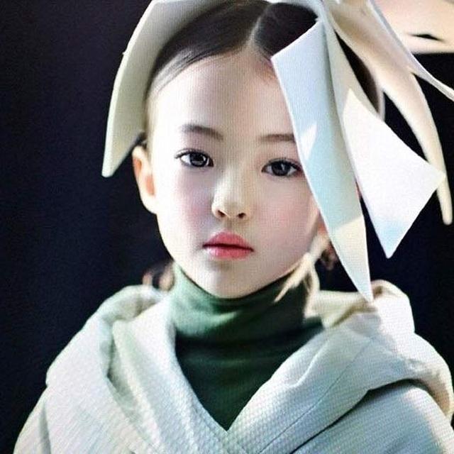 3 người mẫu nhí được mệnh danh bé gái đẹp nhất thế giới - 2