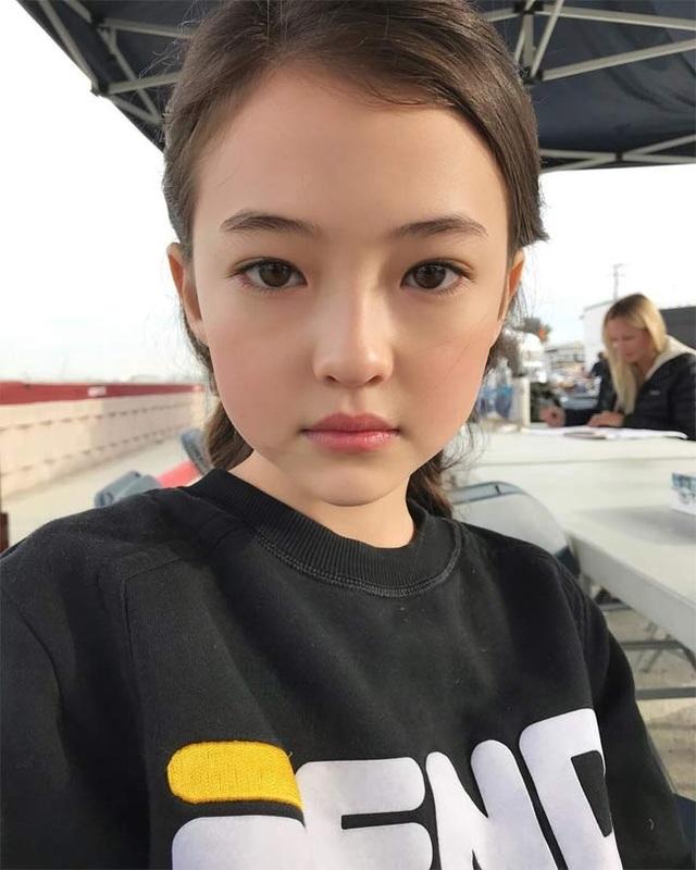 3 người mẫu nhí được mệnh danh bé gái đẹp nhất thế giới - 4