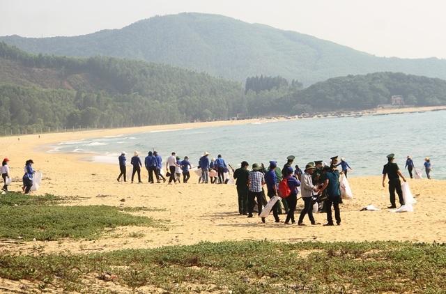 Thanh niên Bình Định với biển đảo quê hương - 2