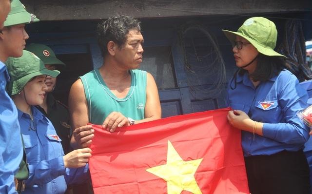 Thanh niên Bình Định với biển đảo quê hương - 1