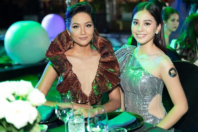 Hhen Niê biến tấu chiếc váy cũ từng gây tranh cãi tại Miss Universe - 5