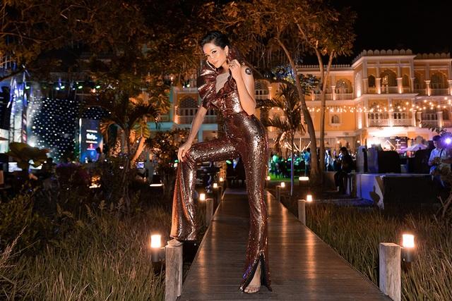 Hhen Niê biến tấu chiếc váy cũ từng gây tranh cãi tại Miss Universe - 3