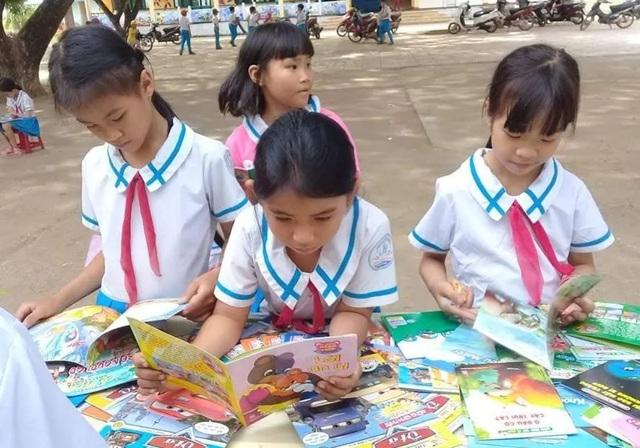 Giật mình: Người Việt toàn đọc... sách giáo khoa - 2