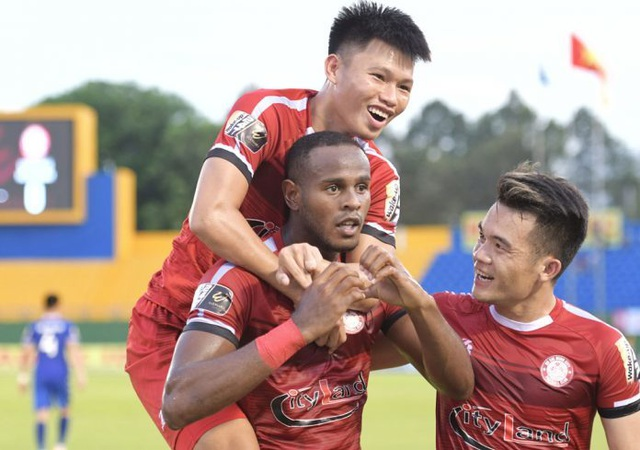 CLB TPHCM tiếp tục dẫn đầu bảng V-League - 1
