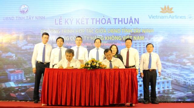 Vietnam Airlines ký kết thỏa thuận hợp tác với tỉnh Tây Ninh - 1