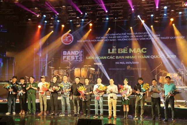 Yellow Star giành giải Xuất sắc dành cho ban nhạc có phong cách biểu diễn ấn tượng - 5