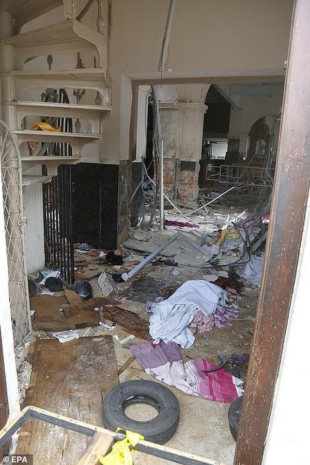 8 vụ đánh bom liên tiếp nhằm vào nhà thờ, khách sạn Sri Lanka, 207 người chết - 11