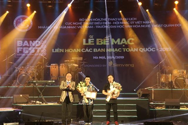 Yellow Star giành giải Xuất sắc dành cho ban nhạc có phong cách biểu diễn ấn tượng - 6