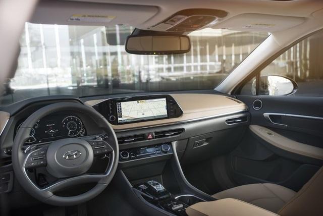 Hyundai xác nhận sẽ ra mắt phiên bản Hybrid và tính năng vận hành cao cho Sonata - 2