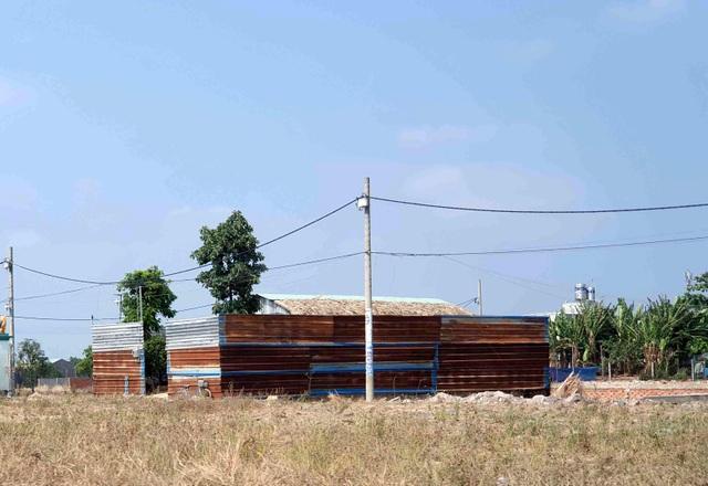 Hàng trăm ha đất cấm bị xẻ thịt tại TP.HCM: Nhà không phép ồ ạt mọc thế nào? - 6