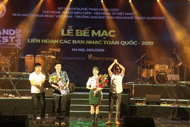 Yellow Star giành giải Xuất sắc dành cho ban nhạc có phong cách biểu diễn ấn tượng - 7