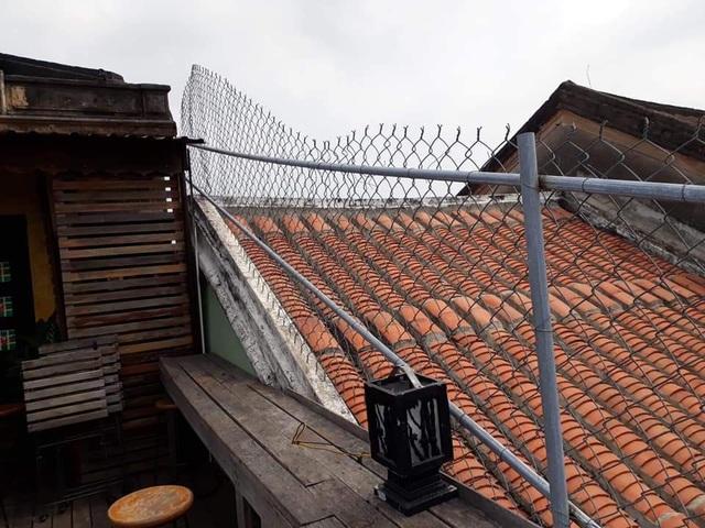 Chup ảnh cưới trên mái nhà cổ ở Hội An