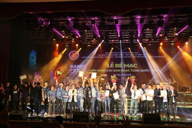 Yellow Star giành giải Xuất sắc dành cho ban nhạc có phong cách biểu diễn ấn tượng - 10
