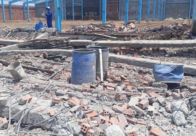 Vụ sập tường  công trình ở Vĩnh Long: Thêm một nạn nhân tử vong - 1