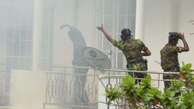 8 vụ đánh bom liên tiếp nhằm vào nhà thờ, khách sạn Sri Lanka, 207 người chết - 7