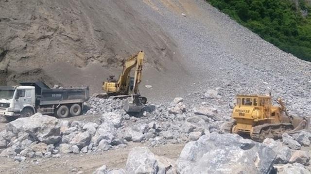 Tìm thấy thi thể công nhân bị vùi lấp tại khai trường khai thác đá - 1
