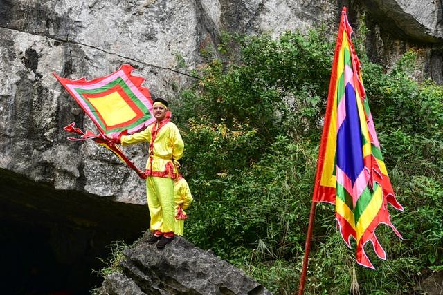 Ninh Bình: Hàng nghìn người dự lễ hội Tràng An - 7
