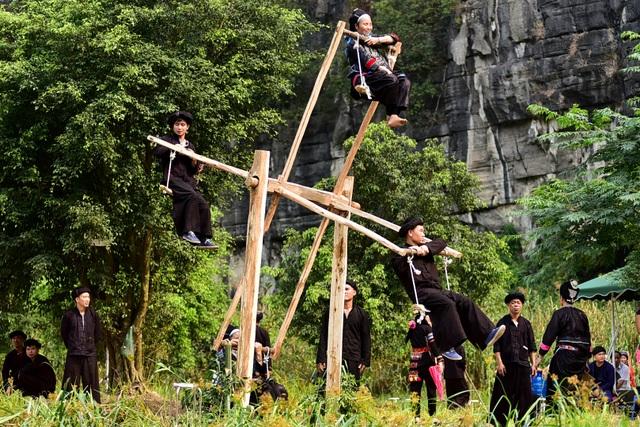 Ninh Bình: Hàng nghìn người dự lễ hội Tràng An - 8