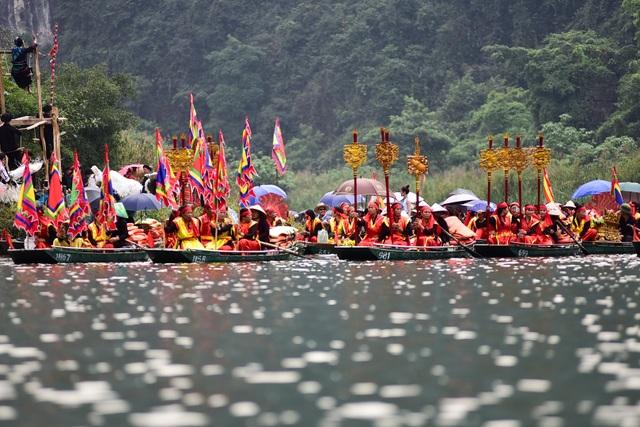Ninh Bình: Hàng nghìn người dự lễ hội Tràng An - 6