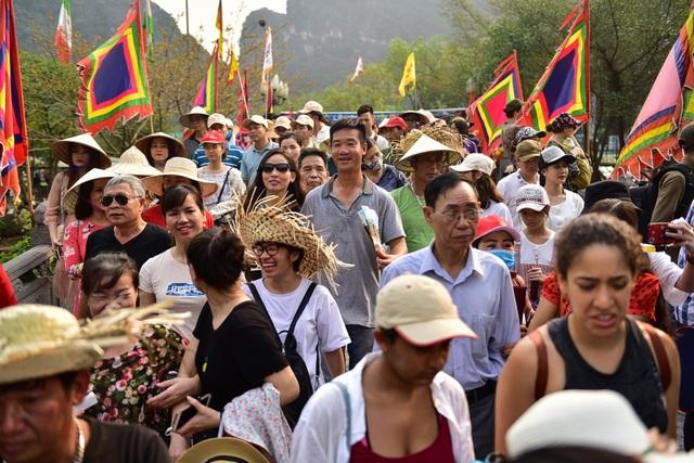 Ninh Bình: Hàng nghìn người dự lễ hội Tràng An - 3