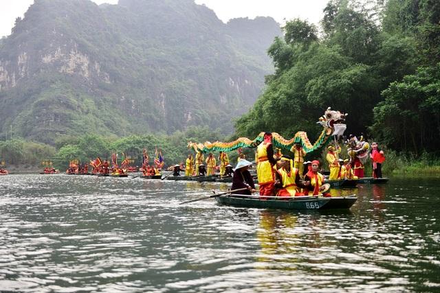 Ninh Bình: Hàng nghìn người dự lễ hội Tràng An - 5