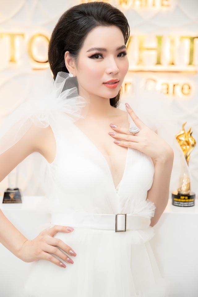 Hoa hậu Thùy Dung khánh thành nhà máy tại TPHCM - 4