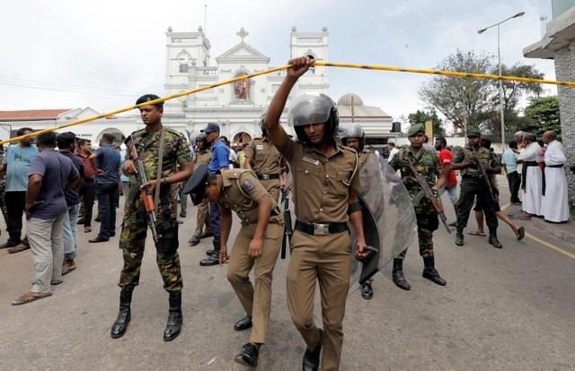 8 vụ đánh bom liên tiếp nhằm vào nhà thờ, khách sạn Sri Lanka, 207 người chết - 15