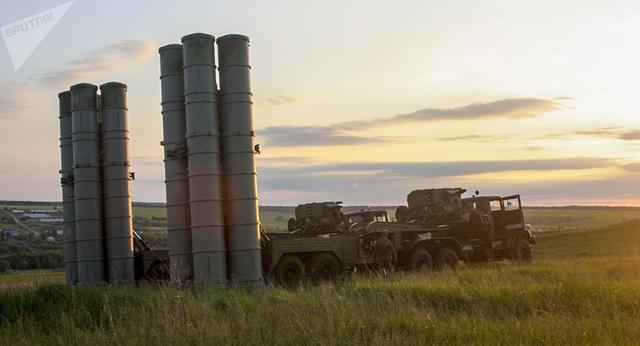 """Hé lộ tên lửa Israel đủ sức vượt mặt """"rồng lửa"""" S-300 của Nga tại Syria - 2"""