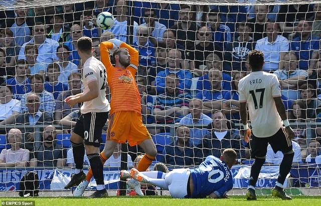 Những khoảnh khắc tan nát của Man Utd trước sức mạnh của Everton - 5