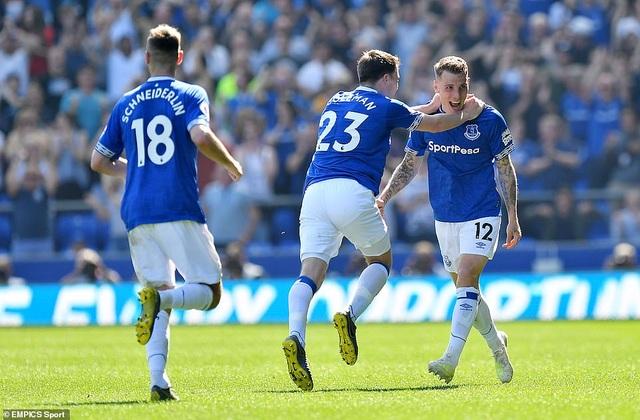 Những khoảnh khắc tan nát của Man Utd trước sức mạnh của Everton - 16