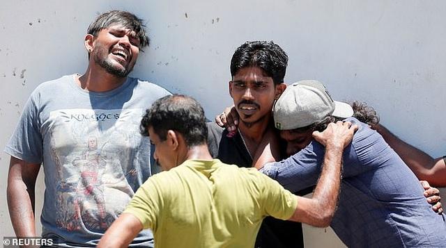 Giây phút kinh hoàng trong vụ đánh bom đẫm máu làm 290 người chết ở Sri Lanka - 7