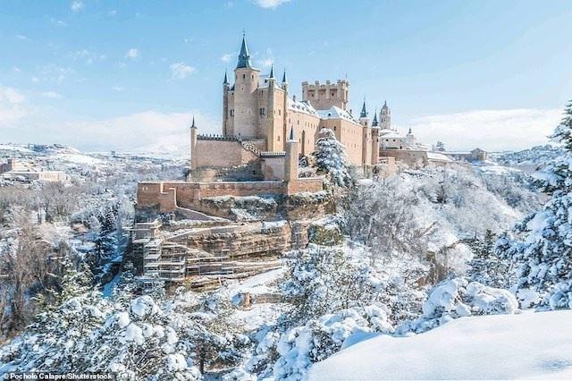 Khám phá những lâu đài đẹp nhất thế giới - 2