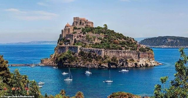 Khám phá những lâu đài đẹp nhất thế giới - 5
