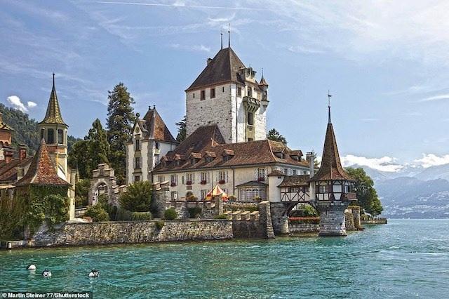 Khám phá những lâu đài đẹp nhất thế giới - 7
