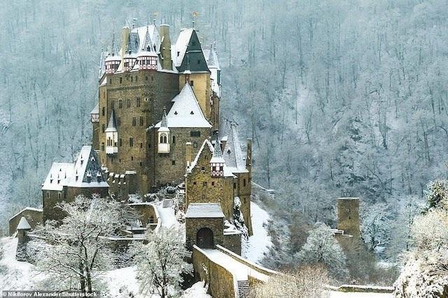 Khám phá những lâu đài đẹp nhất thế giới - 8